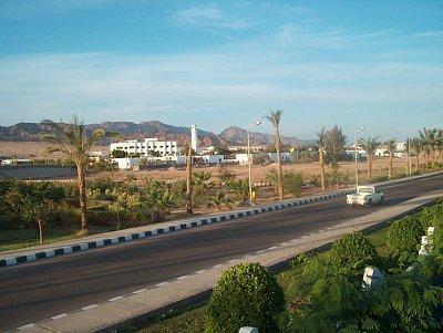 Docela slušná silnice - Některé silnice jsou v Egyptě docela nové