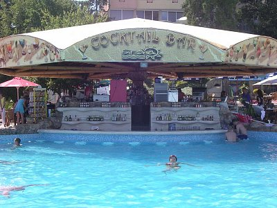 Koktejl bar u bazénu (nahrál: Mira)