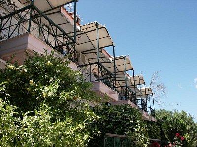 Balkony hotelu (nahrál: Wikinger)