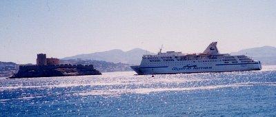 Pevnost If je dosažitelná odkudkoliv z přístavu (nahrál: admin)