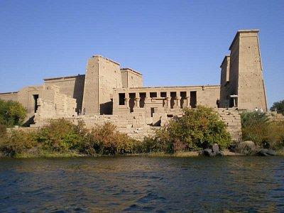 Pohled na chrám z loďky (nahrál: lovenka13-Bára)