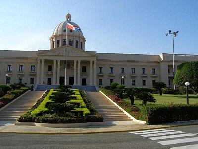 Prezidentský palác - sídlo hlavy Dominikánskej republiky. (nahrál: V.Revický)