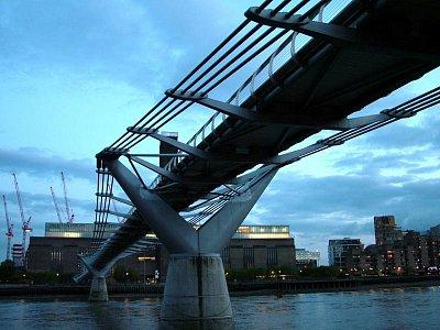 Millenium Bridge (nahrál: admin)
