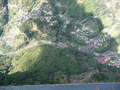 Výhled z Eira do Serrado na Curral das Freiras (nahrál: jannak)