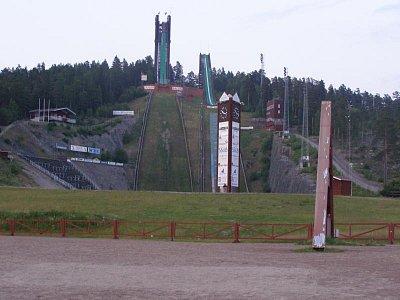 kemp ve Falunu pod skokanskými můstky - Foceno asi v 23h.  (nahrál: josef Vágner)