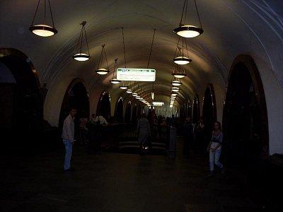 stanice metra (nahrál: H. Kubíková)