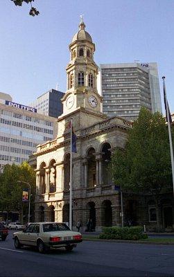 Adelaide Town Hall - Radnice - stará a nová architektura (nahrál: Luboš)